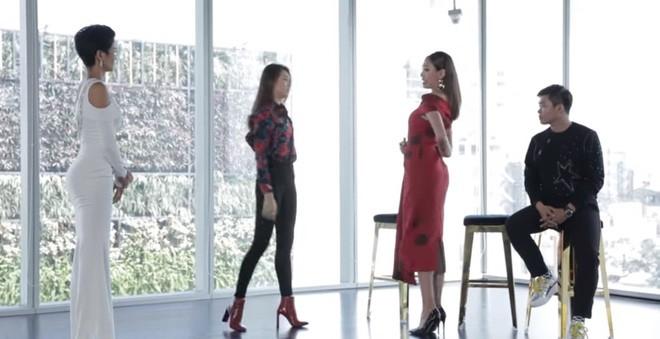 Ai giúp H'Hen Niê diễn catwalk xuất thần và có cú xoay người lịch sử tại Hoa hậu Hoàn vũ? - Ảnh 6.