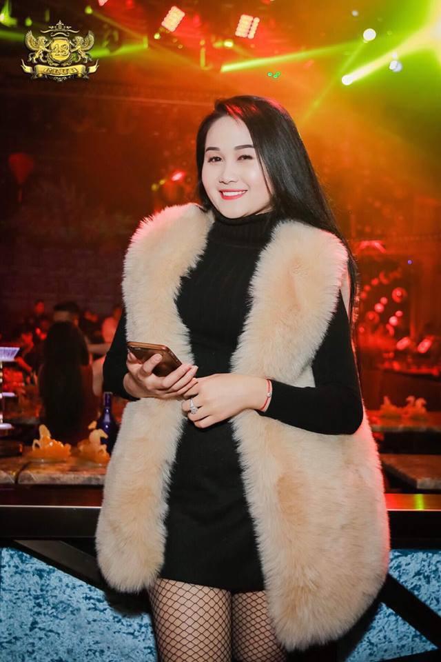 Gia thế giàu có, nhan sắc khả ái của bạn gái cầu thủ Tiến Linh - cơn gió lạ trong đội tuyển Việt Nam - Ảnh 26.