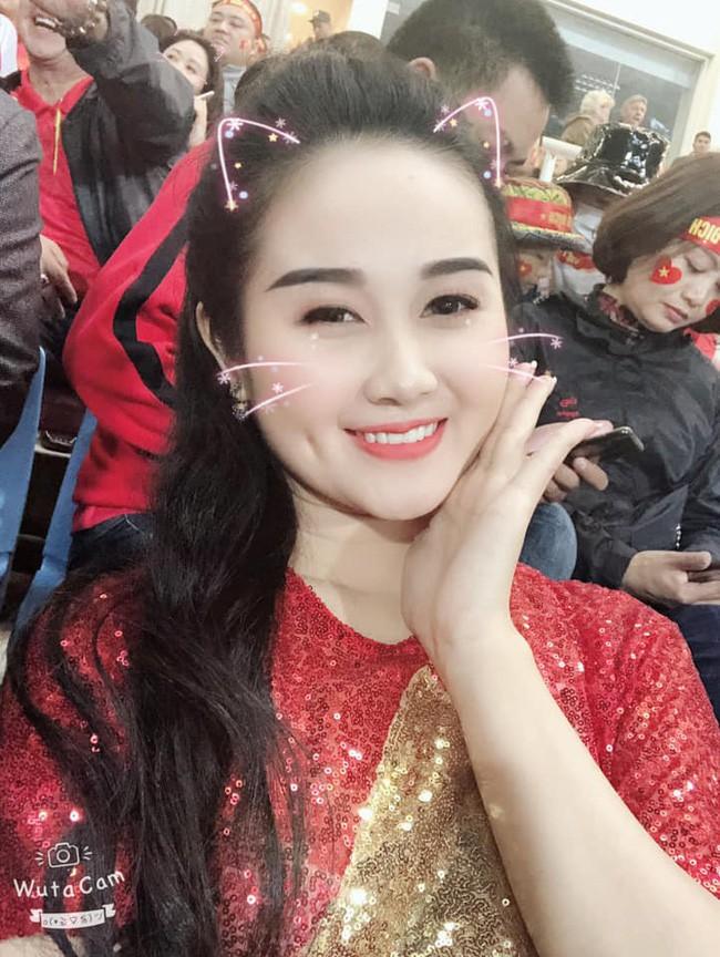 Gia thế giàu có, nhan sắc khả ái của bạn gái cầu thủ Tiến Linh - cơn gió lạ trong đội tuyển Việt Nam - Ảnh 27.
