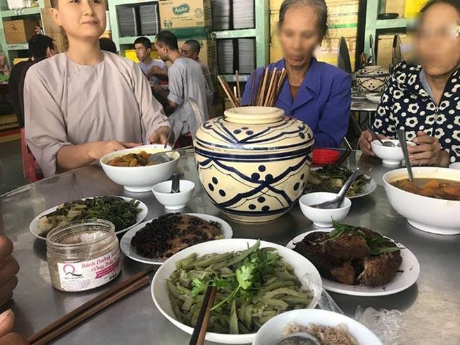 Xôn xao thông tin người đẹp Hoa hậu Việt Nam lấy chồng sau hơn 2 tháng tuyên bố đi tu - Ảnh 3.