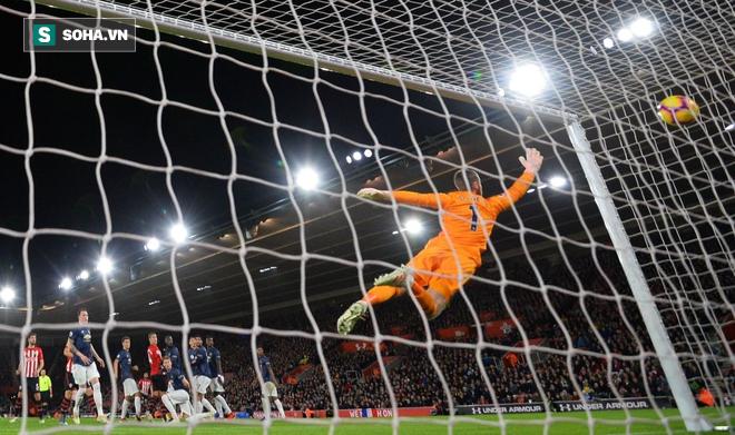 Nhận hai cú tát tối mặt, Man United tiếc nuối trong ngày Pogba, Lukaku diễn trò hề - Ảnh 2.