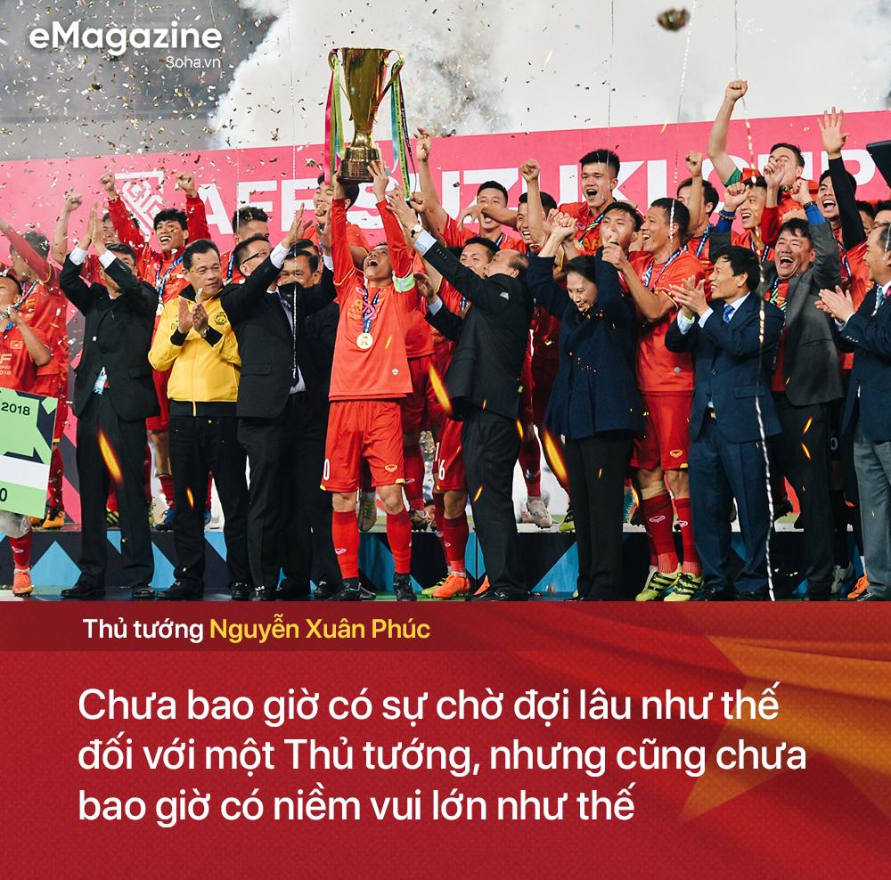Trong kỳ tích của bóng đá Việt Nam, có một tình yêu xuyên bão giông thắp lên niềm tin bất diệt - Ảnh 3.