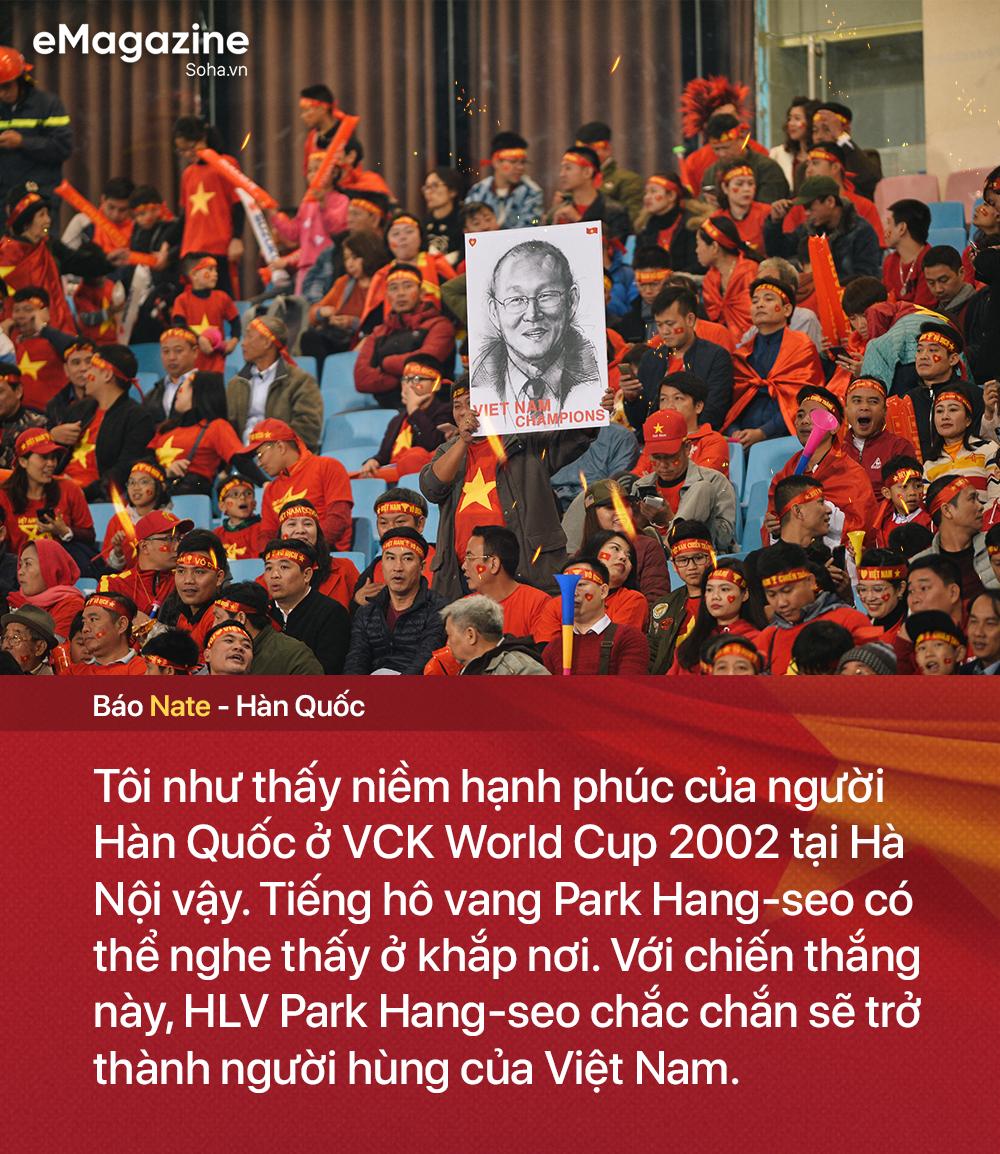 Trong kỳ tích của bóng đá Việt Nam, có một tình yêu xuyên bão giông thắp lên niềm tin bất diệt - Ảnh 10.