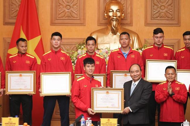 Không cần Quả bóng vàng, Văn Toàn ẵm về giải thưởng còn đỉnh cao hơn nhiều - Ảnh 2.
