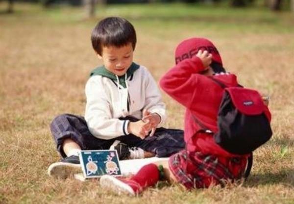 4 hành động yêu thương thường ngày của ông bà tưởng tốt nhưng lại có khả năng gây nguy hại cho trẻ mà nhiều bố mẹ không để ý - Ảnh 4.