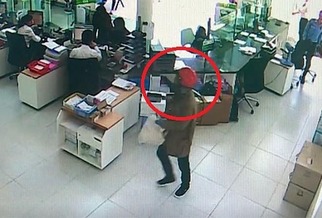 5 vụ cướp ngân hàng táo tợn nhất năm 2018 - Ảnh 4.