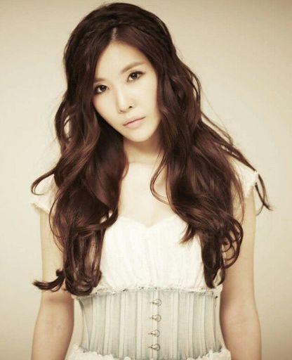 Nữ ca sĩ Hàn Quốc có giọng hát đàn áp Hồ Quỳnh Hương đáng sợ cỡ nào?  - Ảnh 4.