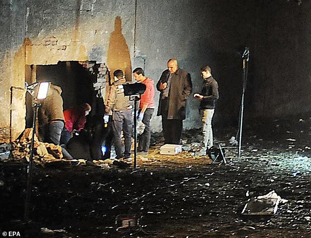 Vụ đánh bom xe ở Ai Cập: Ngày cuối thảm khốc của đoàn du khách Việt - Ảnh 2.