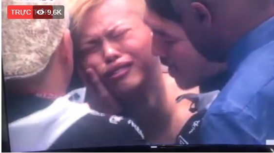 """Võ sĩ thần đồng Nhật Bản khóc nức nở vì bị Mayweather đấm đo ván trong """"1 nốt nhạc"""" - Ảnh 5."""