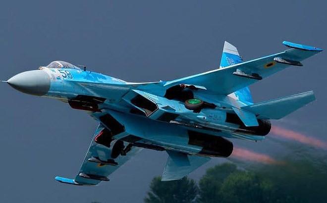 [ẢNH] Từ 70 chiến thần Su-27 xuống còn 17 chiếc, điều gì đang xảy ra với chiến đấu cơ mạnh nhất của Ukraine? - Ảnh 14.