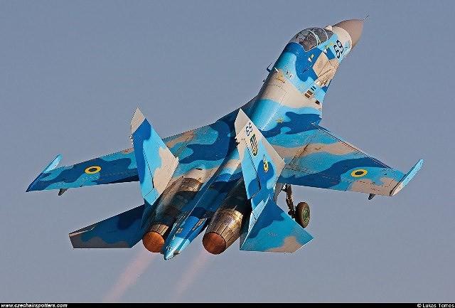 [ẢNH] Từ 70 chiến thần Su-27 xuống còn 17 chiếc, điều gì đang xảy ra với chiến đấu cơ mạnh nhất của Ukraine? - Ảnh 15.