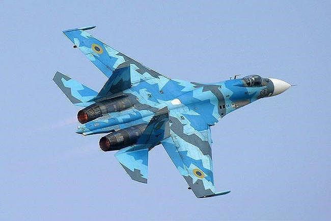 [ẢNH] Từ 70 chiến thần Su-27 xuống còn 17 chiếc, điều gì đang xảy ra với chiến đấu cơ mạnh nhất của Ukraine? - Ảnh 21.