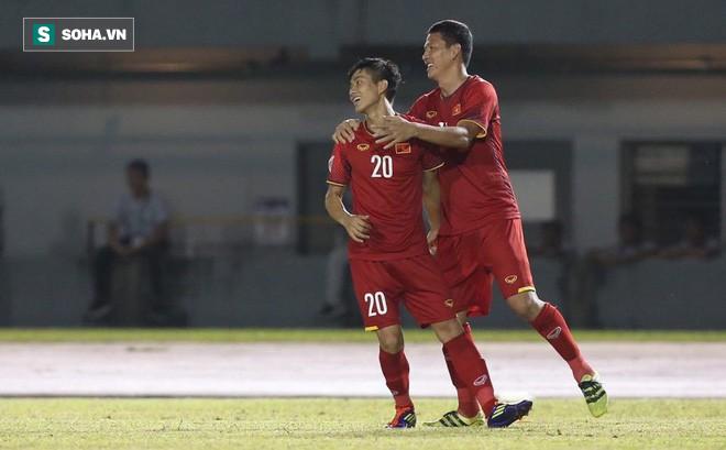 """Nóng: Đội bóng Thái Lan muốn chiêu mộ Anh Đức – Văn Đức sau màn """"xé lưới"""" Philippines - Ảnh 1."""