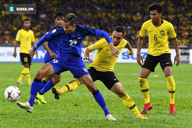 Sút hỏng penalty ở phút bù giờ, Thái Lan bị đá bay khỏi AFF Cup trong tột cùng cay đắng - Ảnh 1.