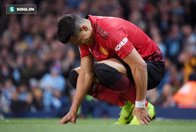 Bán cầu thủ hay nhất của mình, Arsenal đã thắng Man United từ trước khi mùa giải bắt đầu - Ảnh 1.