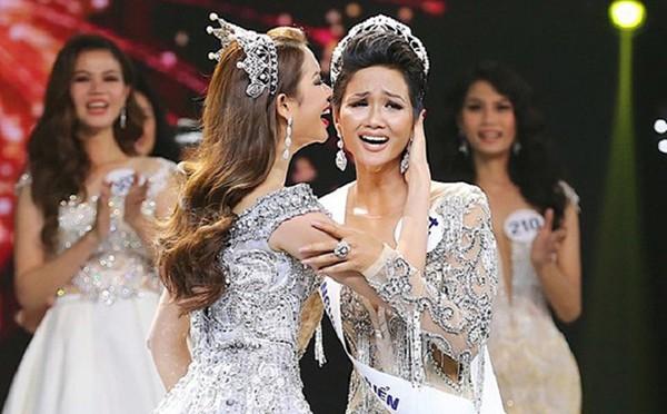 """3 """"lời nguyền"""" ít biết về giới hoa hậu Việt - Ảnh 4."""
