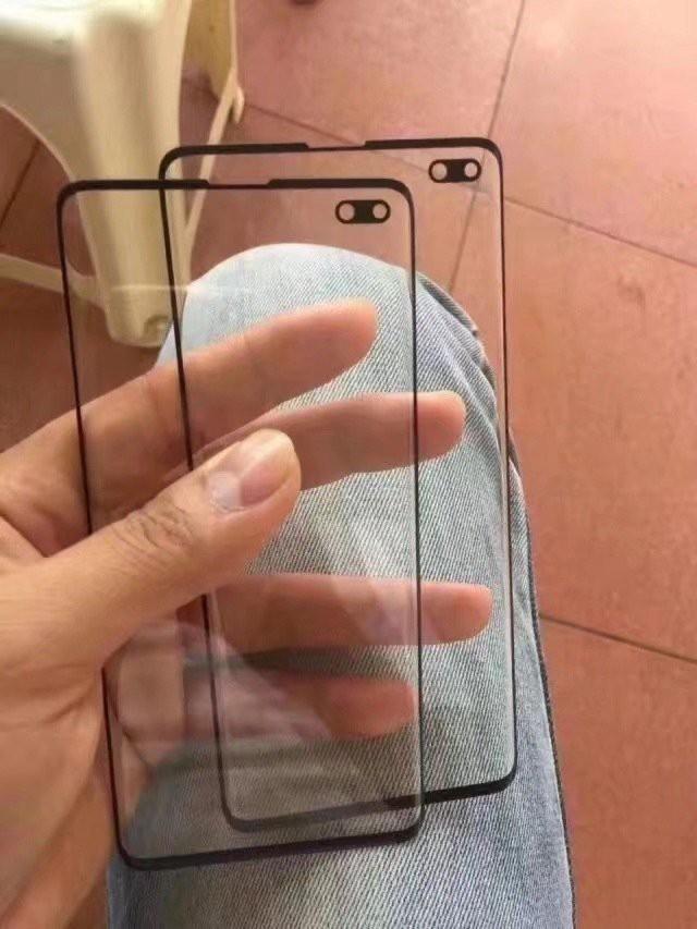 Samsung Galaxy S10+ lần đầu xuất hiện 'bằng da bằng thịt' với viền màn hình gần như không tồn tại - ảnh 1