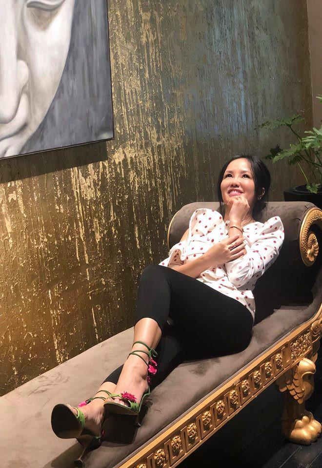 Diva Hồng Nhung suy kiệt, sụt nhiều cân sau ly hôn - Ảnh 11.