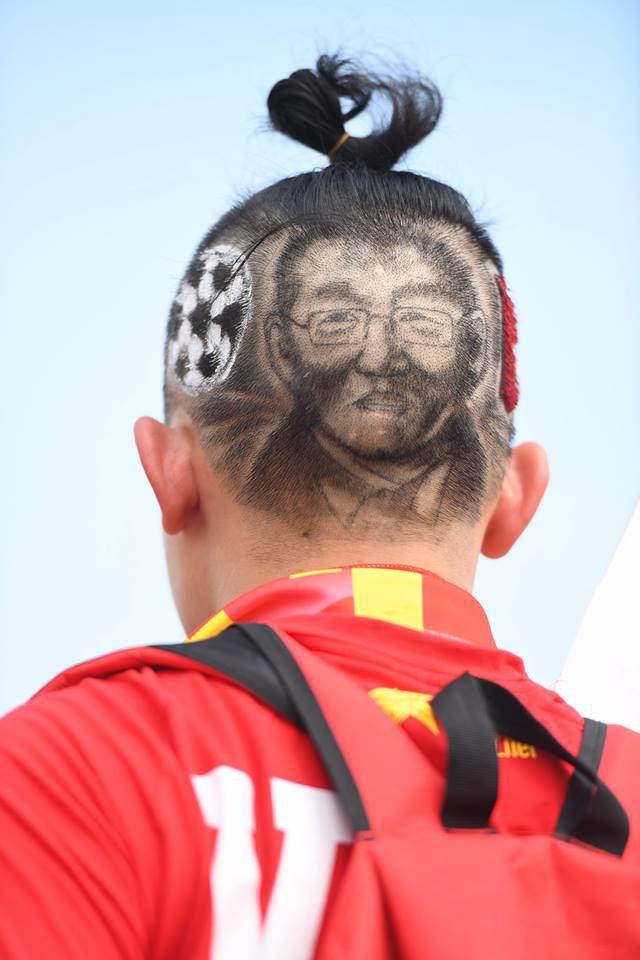Vượt hơn 1000km, chàng trai 26 tuổi cắt tóc chất hết nấc in hình HLV Park Hang-seo cổ vũ động tuyển Việt Nam - Ảnh 4.