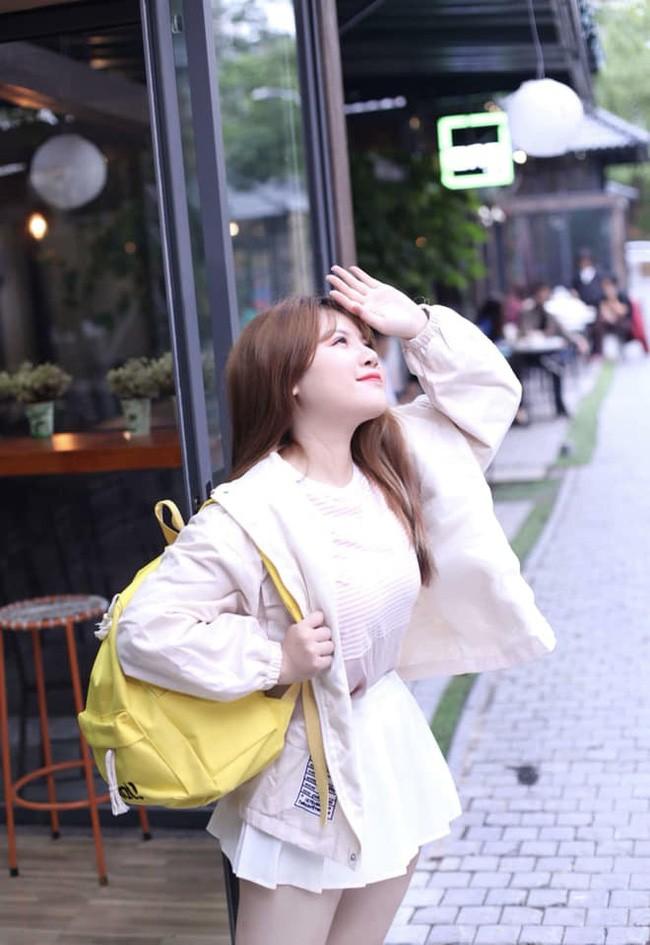 Diện mạo mới của hot girl ngực khủng sau khi bỏ bạn trai, sang Nhật du học 2 tháng - Ảnh 2.
