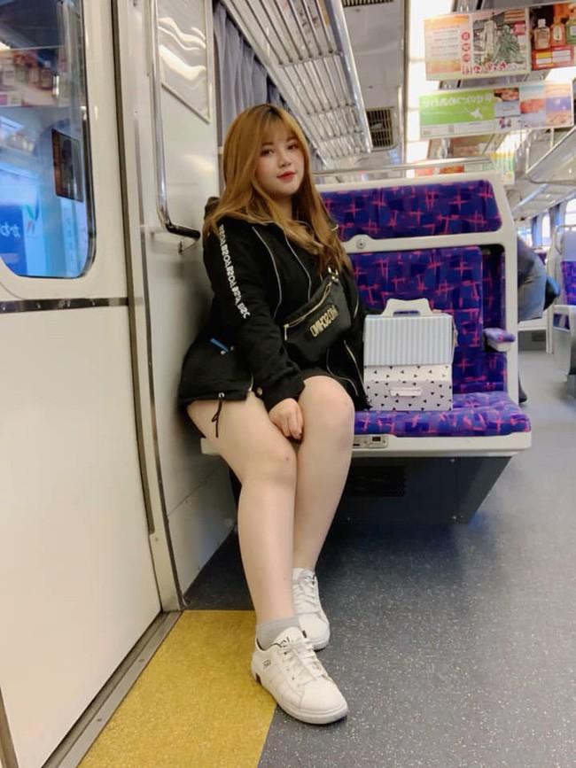 Diện mạo mới của hot girl ngực khủng sau khi bỏ bạn trai, sang Nhật du học 2 tháng - Ảnh 13.