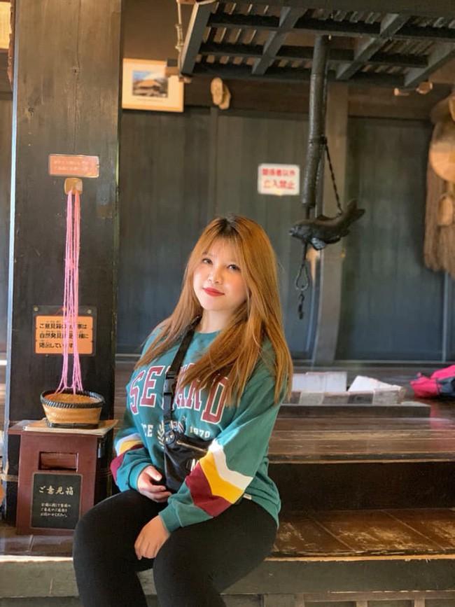 Diện mạo mới của hot girl ngực khủng sau khi bỏ bạn trai, sang Nhật du học 2 tháng - Ảnh 4.