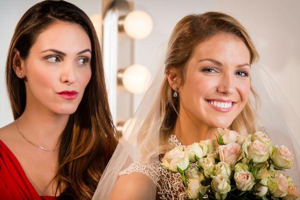 Chú rể hủy hôn phút chót vì câu nói này của cô dâu về em gái - Ảnh 1.