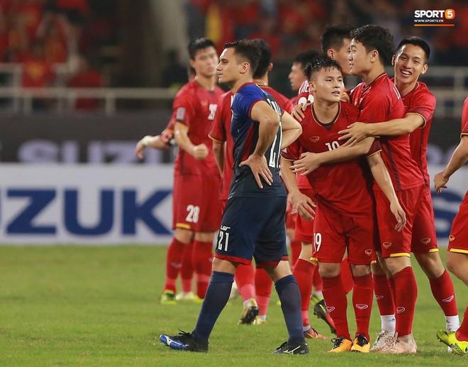 Không có ngày nghỉ, tuyển Việt Nam sang Malaysia ngay hôm nay để chuẩn bị cho trận chung kết AFF Cup 2018 - Ảnh 2.
