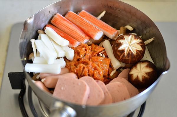 Chồng tôi chúa ghét mì tôm, nhưng khi tôi dùng tuyệt chiêu này để nấu thì anh ăn liền 1 lúc cả 2 tô - Ảnh 2.