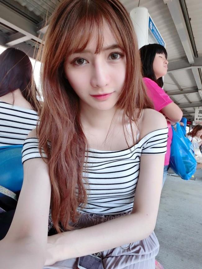 Ra chợ phụ mẹ bán hàng, cô gái xinh đẹp bỗng trở thành hiện tượng MXH với danh hiệu hotgirl mổ cá - Ảnh 11.