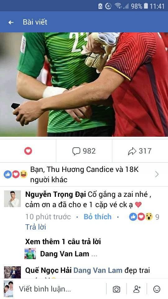 Cầu thủ đẹp trai nhất U23 Việt Nam dành cả thanh xuân để đi xin vé - Ảnh 3.