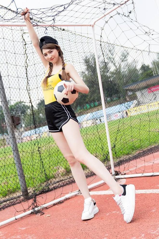 Ra chợ phụ mẹ bán hàng, cô gái xinh đẹp bỗng trở thành hiện tượng MXH với danh hiệu hotgirl mổ cá - Ảnh 6.
