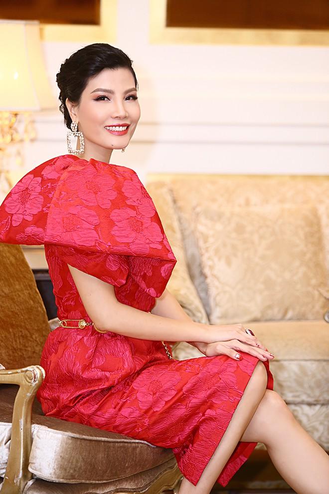Lần hiếm hoi siêu mẫu Vũ Cẩm Nhung khoe ông xã doanh nhân - Ảnh 7.