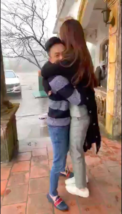 Cường Đô La ôm chặt Đàm Thu Trang, vui đùa hết cỡ ở quê nhà bạn gái  - Ảnh 2.