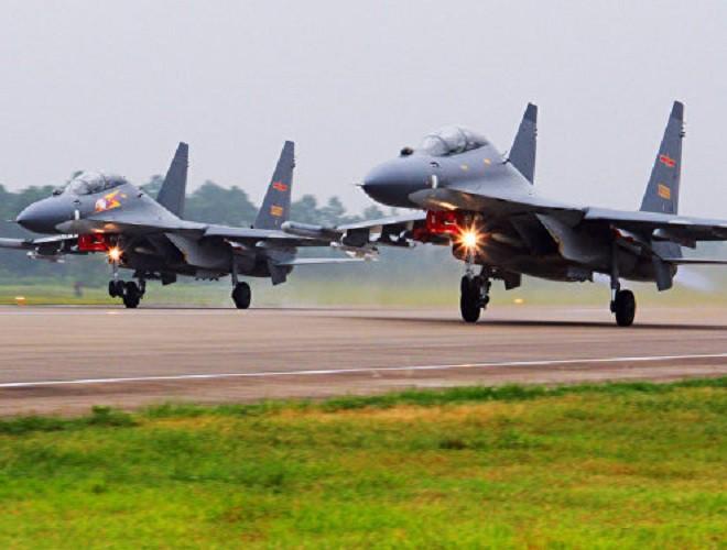 Trung Quốc biên chế hàng loạt hàng nhái Su-30 của Nga - ảnh 4