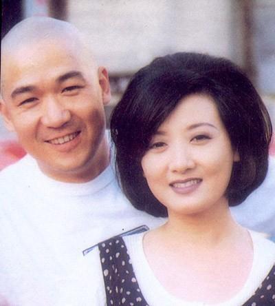 Tình vợ chồng đẹp hơn truyện cổ tích: Phượng Ớt chấp nhận cả đời không sinh con vì quá yêu Khang Hy - Ảnh 1.