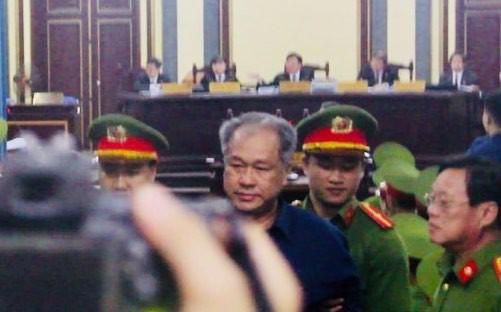 Người đại diện nói ông Trần Bắc Hà đã nhập viện chữa bệnh ung thư tại Singapore - Ảnh 1.