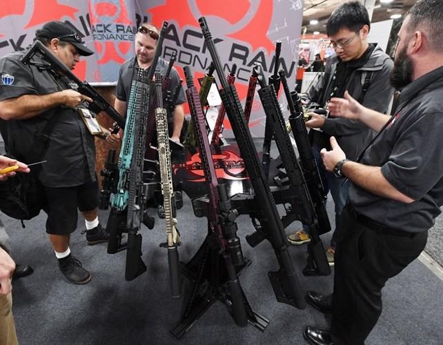 Những khẩu súng đáng sợ nhất tại triển lãm vũ khí SHOT - Ảnh 13.