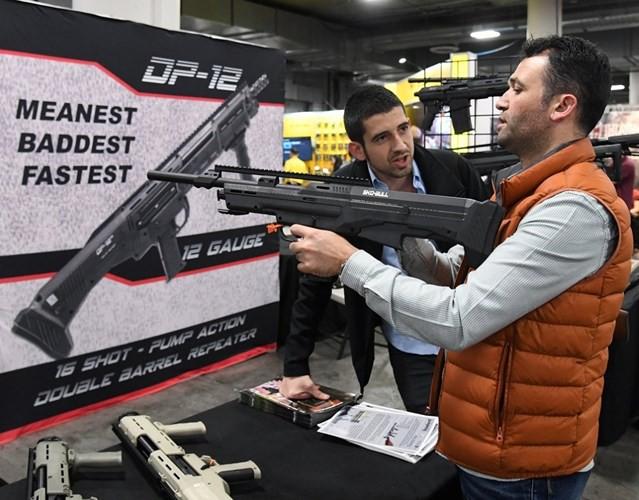 Những khẩu súng đáng sợ nhất tại triển lãm vũ khí SHOT - Ảnh 10.