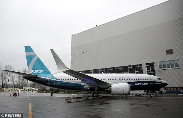 Chưa tới 1 phút, bạn sẽ biết chiếc Boeing mới nhất được sản xuất như thế nào! - Ảnh 1.