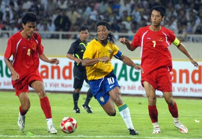 Cựu trung vệ ĐTVN vô địch AFF Cup 2008: Một cái Tết rất khác và một năm mới rất khác! - Ảnh 2.