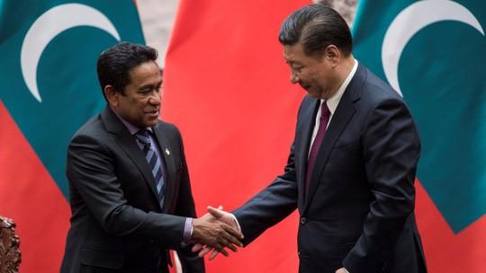 Trung Quốc bác cáo buộc mua đứt Maldives - Ảnh 1.