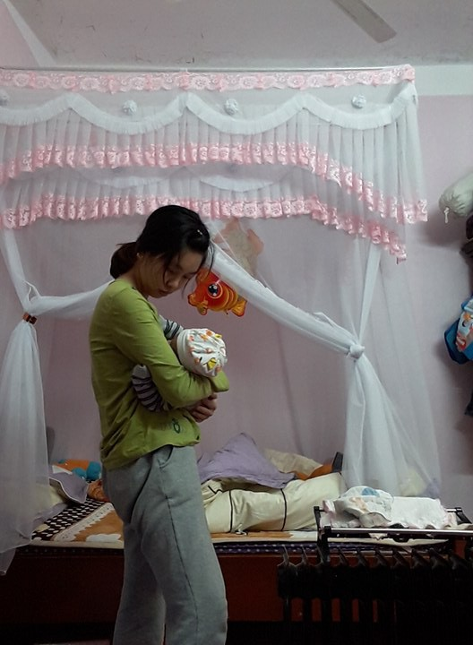 Nhìn hình ảnh dùng người như phá của mẹ bỉm sữa này mới thấy, phụ nữ có con xong là mất cả thanh xuân - Ảnh 4.