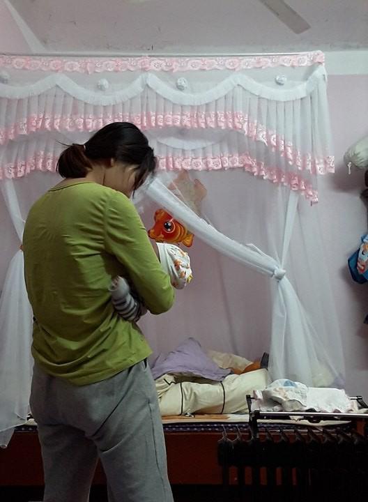 Nhìn hình ảnh dùng người như phá của mẹ bỉm sữa này mới thấy, phụ nữ có con xong là mất cả thanh xuân - Ảnh 5.