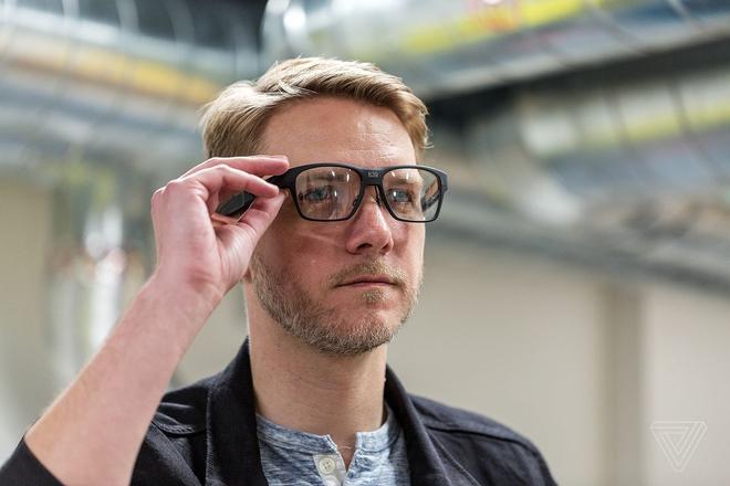 Video trải nghiệm kính thông minh Vaunt của Intel: Khi những chiếc Smart Glass không còn cồng kềnh chút nào nữa - Ảnh 2.