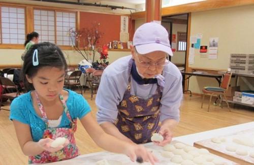 Học cách mẹ Nhật dạy con về ngày Tết truyền thống - Ảnh 2.