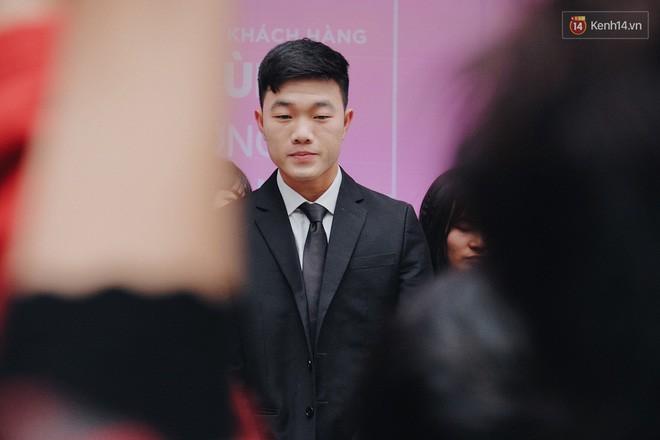 Fan Xuân Trường khóc thét: Ai nỡ dặm phấn trắng bệch hại cực phẩm của U23 thế này? - Ảnh 1.