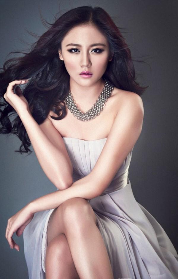 Văn Mai Hương - nữ ca sĩ tuổi Tuất đằm thắm hơn sau 2 cuộc tình đổ vỡ - Ảnh 2.