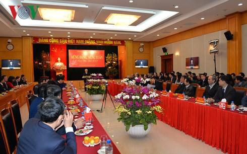 Tổng Bí thư chúc Tết Văn phòng Trung ương Đảng - Ảnh 1.