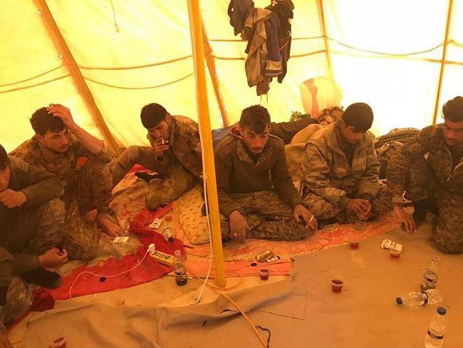 IS tấn công bằng xe bom tự sát, người Kurd thiệt hại nặng nề ở Deir Ezzor - Ảnh 11.